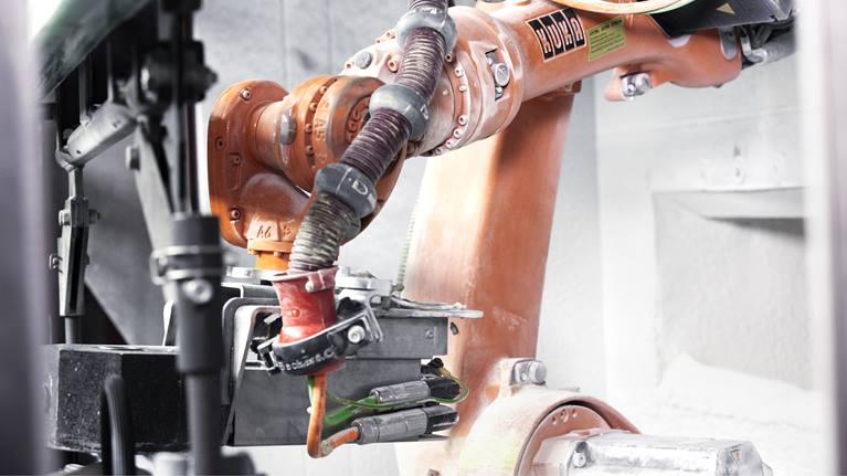 KUKA KR 16机器人工作效果展示