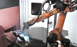 KUKA KR16机器人助力AL-KO 公司焊接车辆组件