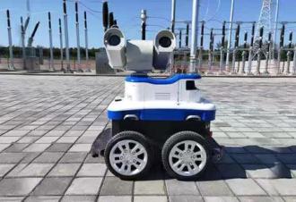 变电所智能巡检机器人展身手,保障高铁供电设备安全运行